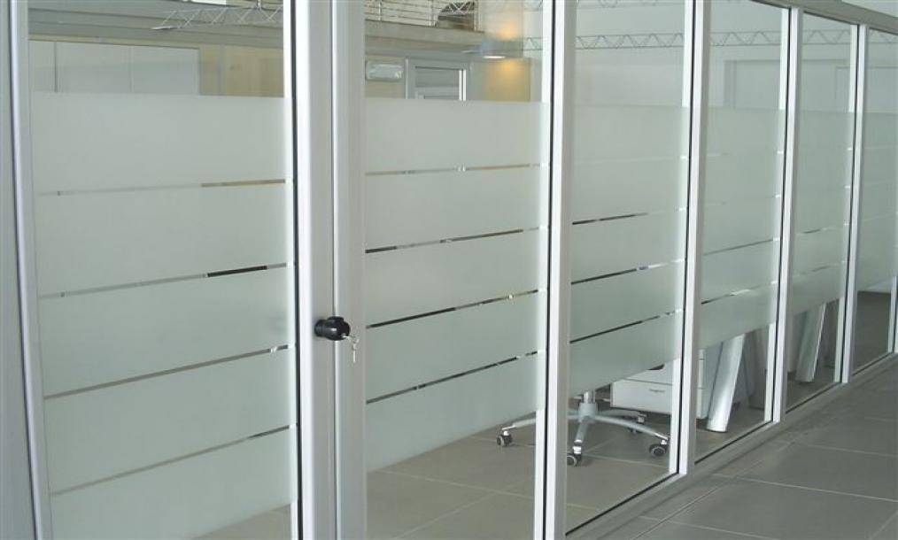 Pellicole per vetri antisolari e di sicurezza lodi glass - Applicazione pellicole vetri finestre ...
